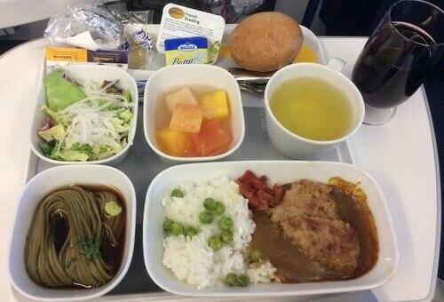 ルフトハンザ プレミアムエコノミーの機内食