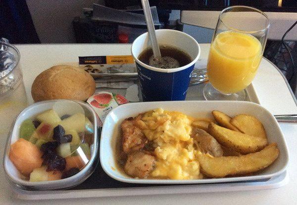 プレミアムエコノミー ルフトハンザ 機内食 朝食