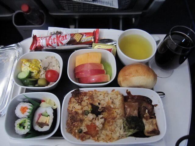 ルフトハンザ プレミアムエコノミー 機内食 夕食