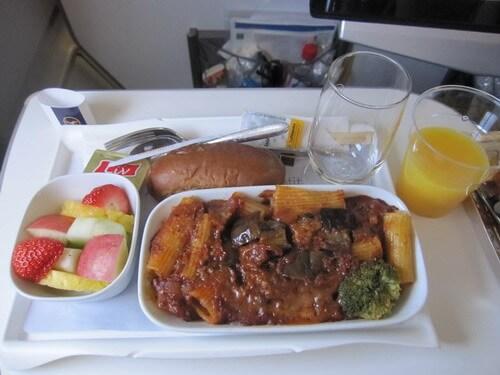プレミアムエコノミーの機内食 朝食