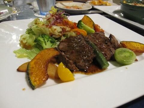 プリシアリゾート アネリア 肉料理