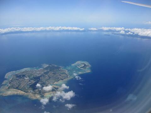 伊是名島と沖縄本島