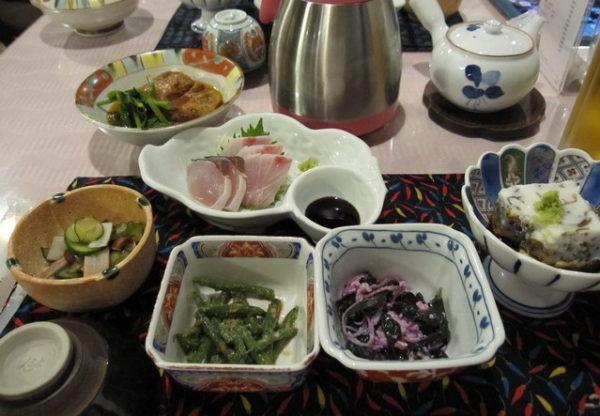 ホテルヨロン島ビレッジ 夕食