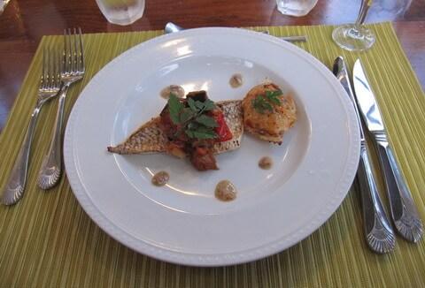 ヴィラ モンペトル 夕食 魚