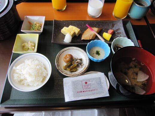 やえびしの和朝食