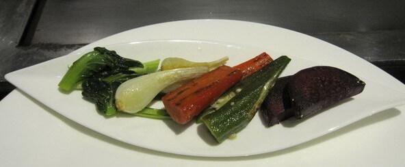 鉄板焼きの付け合わせの野菜