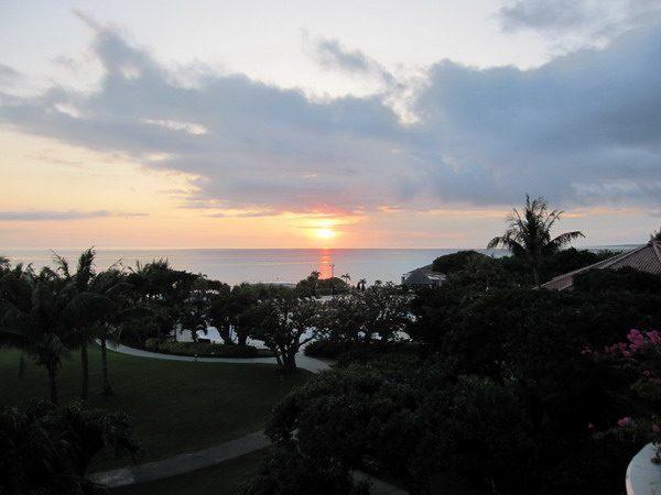 宮古島東急リゾートの部屋からみた夕日