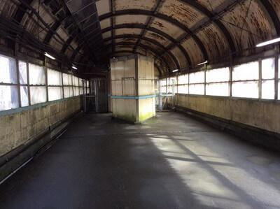土合駅 階段上がってもまだ出口が見えない