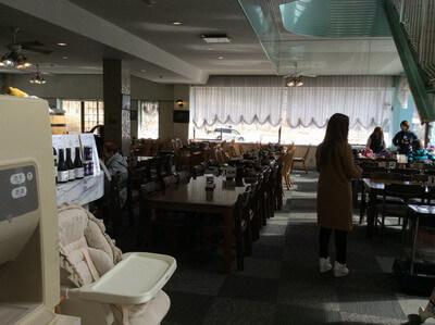 谷川岳ドライブインの食堂
