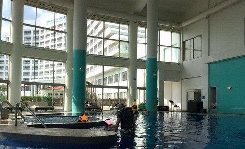 ANA石垣ホテル ジャグジーと屋内プール