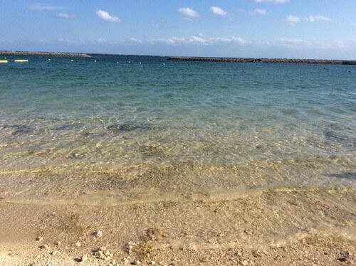 マエサトビーチ 海の色